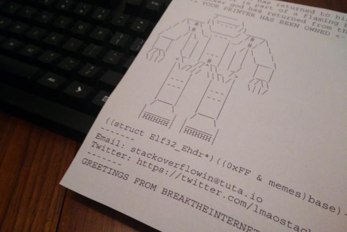 외부에 공개된 프린터 다수를 통해 출력된 경고 메시지