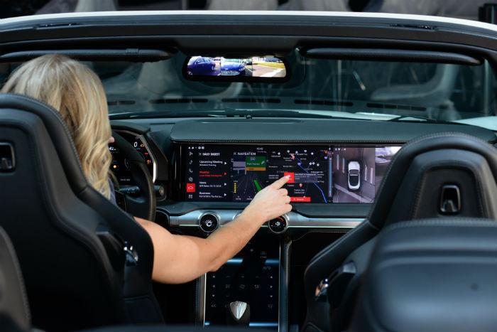 하만이 개발한 디지털 운전석 시스템